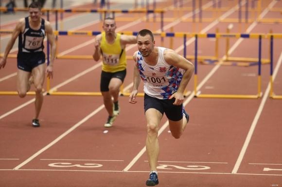 Станислав Станков се класира за полуфиналите на 60 метра с препятствия на Европейското