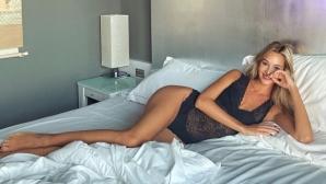 Вики Варга се щрака в леглото (снимка)