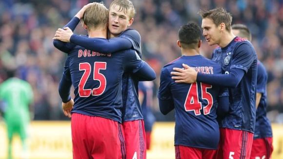 Шампионът на Холандия понесе тежък удар в дербито с Аякс