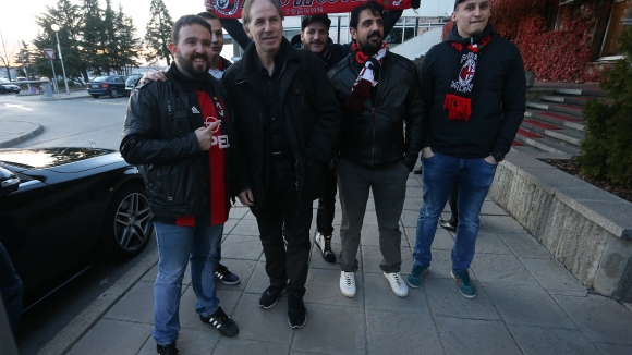 Фенове на Милан посрещнаха Барези на летището