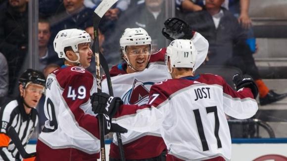 """Колорадо изумява в НХЛ - """"лавините"""" постигнаха 10-а поредна победа"""