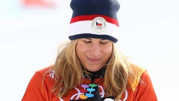 Естер Ледецка влезе в историята с олимпийски титли в ските и сноуборда