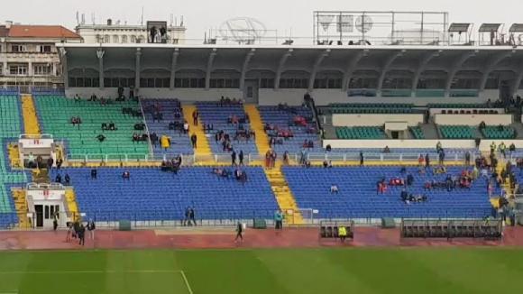 """Стадион """"Васил Левски"""" час преди дербито"""