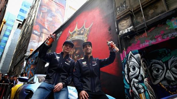 Пилотите от Формула 1 се забавляваха преди старта на сезона