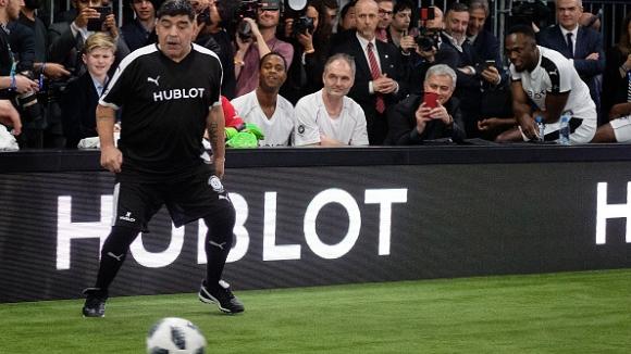 Марадона подкрепи системата за видео повторение и Меси