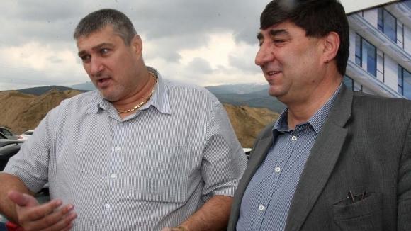 Колко килограма тежат заедно Боре Кьосев и Любо Ганев?