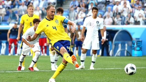 ВАР помогна на Швеция - Гранквист вкара от дузпа срещу Южна Корея
