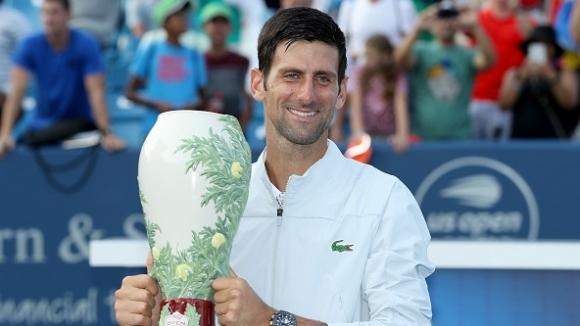 """Джокович със """"Златен Мастърс"""" след победа над Федерер в Синсинати"""