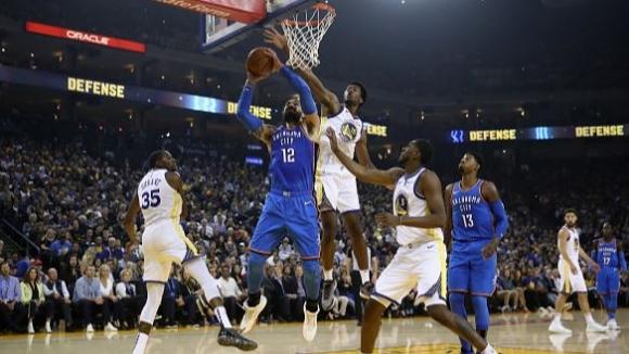 Голдън Стейт започна с победа защитата на титлата в НБА
