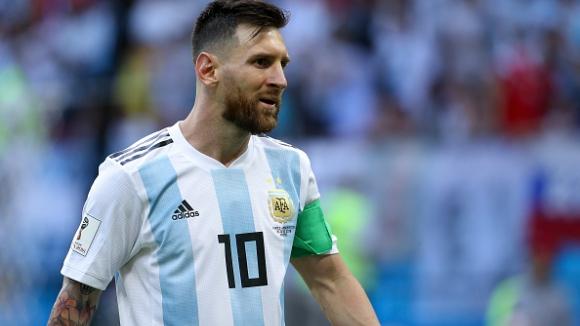Аржентина без звездите си срещу Мексико