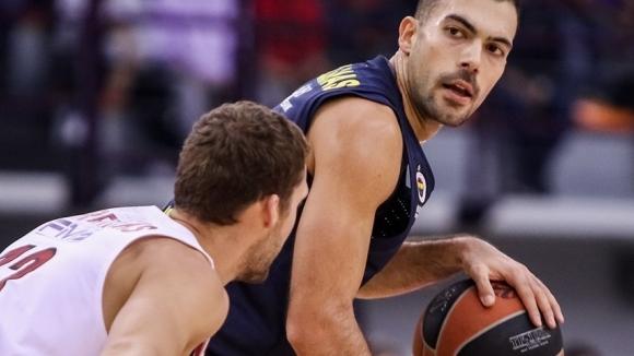 Фенербахче победи Олимпиакос без Везенков в Евролигата