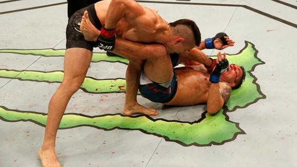Рикардо Ламас надви Дарън Елкинс в тежък мач на UFC Fight Night 140