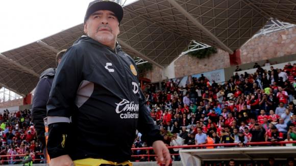 Марадона избухна с танц в съблекалнята на Дорадос