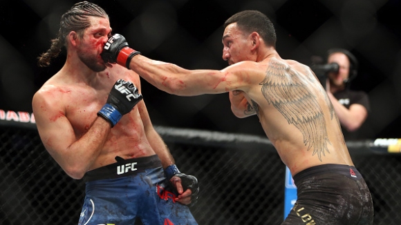 Халауей преби Ортега и даде заявка за легендарен статут на UFC 231