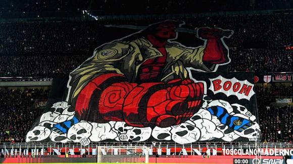 Битката по трибуните между тифозите на Милан и Интер