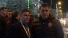 Фенове се снимат с националите след ремито срещу Черна гора