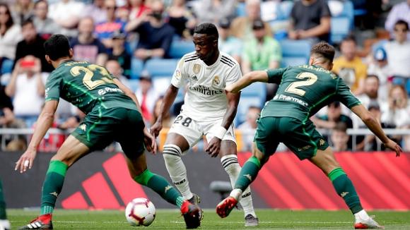 Реал Мадрид отново се сгромоляса у дома, този път срещу Бетис