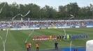 Летящи ленти към терена преди дербито на Втора лига