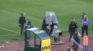 Играчите на ЦСКА-София се прибират под полицейски щитове след мача