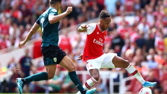 """Обамеянг отново донесе победата на Арсенал, Себайос впечатли на """"Емиратс"""""""