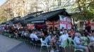 Много песни и бира преди България - Англия