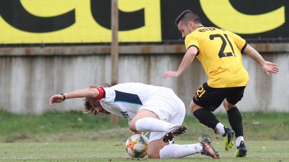 Борислав Хазуров откри резултата за Септември (Симитли) срещу Миньор