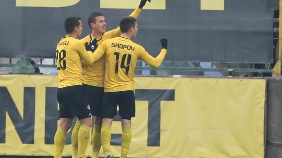 Станислав Шопов направи резултата 3:1 за Ботев срещу Берое