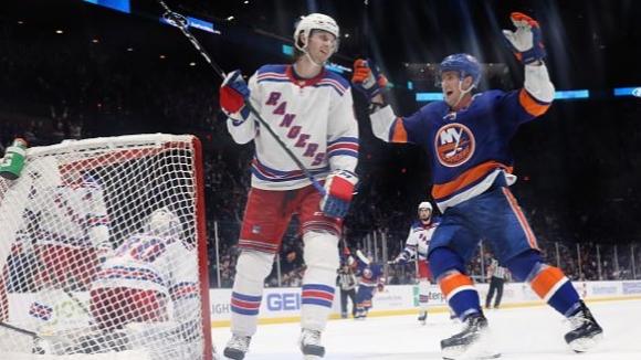 Александър Георгиев спаси 40 удара, а Рейнджърс спечели дербито на Ню Йорк