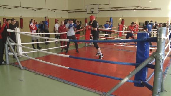 Българските боксьори продължават подготовката си за Купа Странджа