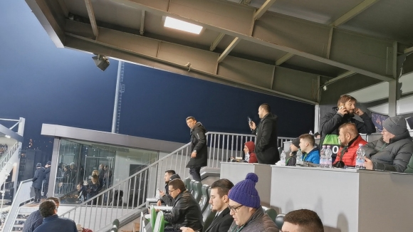 Кешерю гледа от трибуните мача с Интер