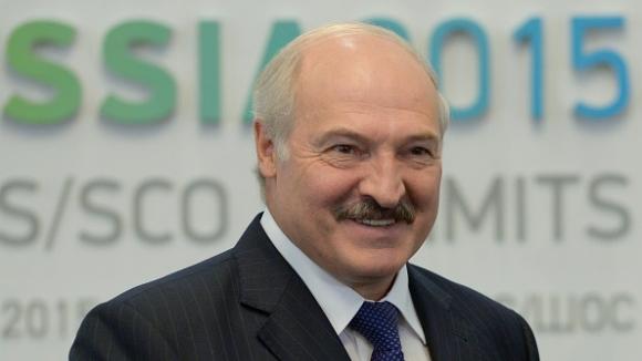 Президентът на Беларус играе хокей въпреки епидемията