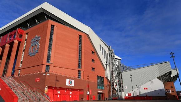Ливърпул поднесе своите извинения и промени решението си за отпуск на своите служители