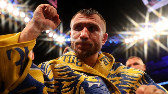 Ломаченко иска битка с Мейуедър