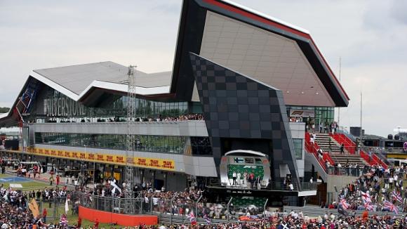 """Потвърдено: Две състезания от Формула 1 на """"Силвърстоун"""""""