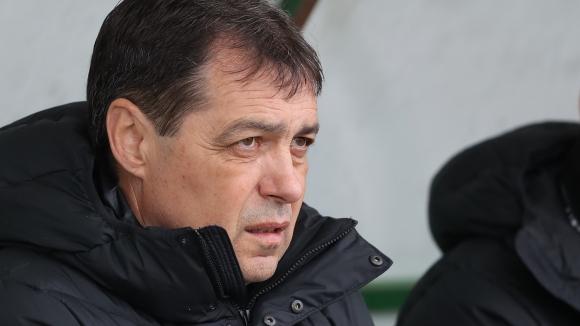 Хубчев: Като че главите на футболистите не са съвсем свободни, замислят се за бъдещето си