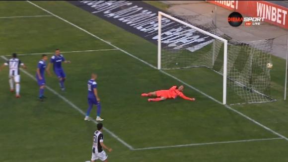 Доминик Малонга откри резултата срещу Етър в дебюта си за Локо Пд