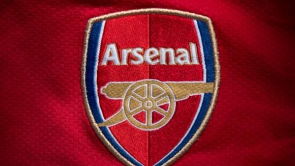 Глобиха Арсенал за клаузи, които поставили под натиск други отбори
