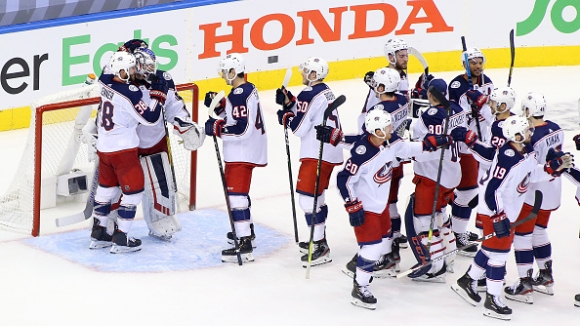 Кълъмбъс са класира за плейофите в НХЛ