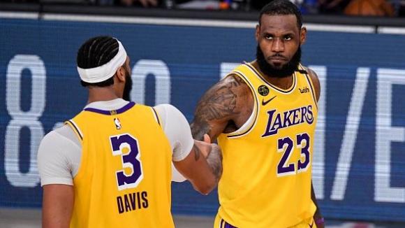 ЛА Лейкърс на победа от финала в НБА