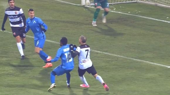 Не зачетоха гол на Левски за игра с ръка на Насиру