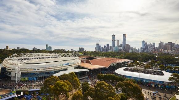 Три случая на COVID-19 наложиха карантина за всички тенисисти от полетите