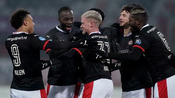 ПСВ Айндховен надви Спарта в трилър с 8 гола