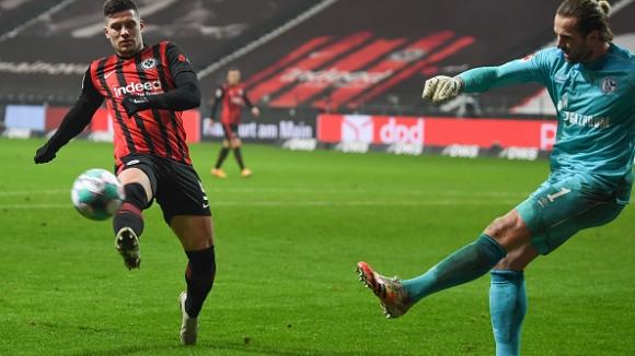 Йович се завърна с 2 гола за Айнтрахт