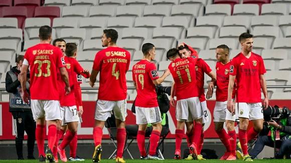 Бенфика продължава да търси място в зона Шампионска лига